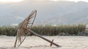 Σπασμένες ομπρέλες θαλάσσης Στοκ Φωτογραφία