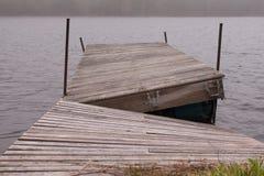 Σπασμένη αποβάθρα Στοκ εικόνες με δικαίωμα ελεύθερης χρήσης