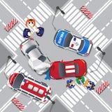 σπασμένη ατύχημα εστίαση οδηγών αυτοκινήτων κοντά στην αντανακλαστική προειδοποίηση φανέλλων τριγώνων οδικής ασφάλειας Στοκ Εικόνα