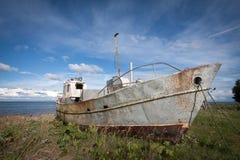 Σπασμένη βάρκα Στοκ Εικόνες