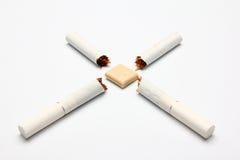σπασμένη γόμμα τσιγάρων Στοκ φωτογραφία με δικαίωμα ελεύθερης χρήσης