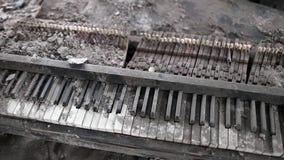 Σπασμένη μουσική πιάνων του πολέμου απόθεμα βίντεο