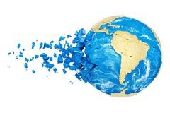 Σπασμένη σφαίρα πλανήτη Γη που απομονώνεται στο άσπρο υπόβαθρο Χρυσός μεταλλικός κόσμος με τα μόρια και τα συντρίμμια απεικόνιση αποθεμάτων