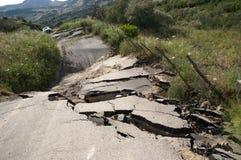 σπασμένος δρόμος στοκ εικόνες με δικαίωμα ελεύθερης χρήσης