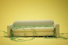 σπασμένος καναπές Στοκ φωτογραφία με δικαίωμα ελεύθερης χρήσης