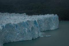 Σπασμένος πάγος στο τέλος ενός παγετώνα στοκ φωτογραφία με δικαίωμα ελεύθερης χρήσης