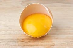 σπασμένος πίνακας αυγών Στοκ Εικόνα
