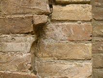 σπασμένος τούβλα παλαιός στοκ εικόνες με δικαίωμα ελεύθερης χρήσης