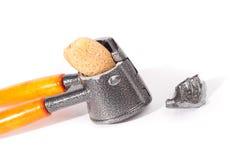 σπασμένο αμύγδαλο καρύδι & στοκ φωτογραφία με δικαίωμα ελεύθερης χρήσης