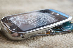 Σπασμένο κυψελοειδές τηλέφωνο Στοκ φωτογραφία με δικαίωμα ελεύθερης χρήσης