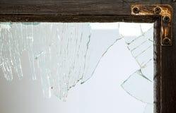 σπασμένο παράθυρο γυαλι& Στοκ φωτογραφία με δικαίωμα ελεύθερης χρήσης