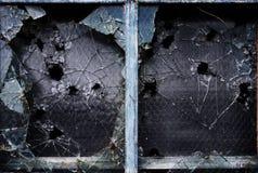 σπασμένο παράθυρο γυαλι& στοκ φωτογραφίες