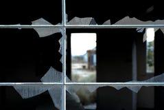 σπασμένο παράθυρο Στοκ φωτογραφίες με δικαίωμα ελεύθερης χρήσης