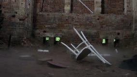 Σπασμένο παλαιό δωμάτιο φιλμ μικρού μήκους