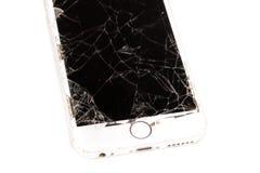 Σπασμένο iPhone 6S που αναπτύσσεται από την επιχείρηση Apple Inc Στοκ εικόνες με δικαίωμα ελεύθερης χρήσης
