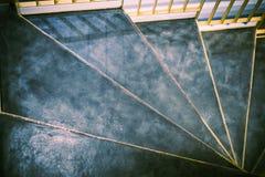 Σπειροειδές κτήριο σκαλών από την πέτρα Στοκ Φωτογραφίες