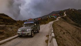 Σπειροειδής δρόμος στην κοιλάδα στοκ εικόνα με δικαίωμα ελεύθερης χρήσης