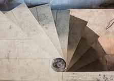 Σπειροειδής σκάλα μέσα στο σπίτι Στοκ Φωτογραφίες