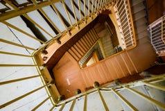 Σπειροειδής σκάλα στο παλαιό σπίτι Στοκ Εικόνες