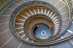 Σπειροειδή σκαλοπάτια των μουσείων Βατικάνου, πόλη του Βατικανού, Ιταλία Στοκ εικόνα με δικαίωμα ελεύθερης χρήσης