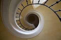 Σπειροειδής σκάλα στην εκκλησία - άποψη από το πάτωμα Στοκ φωτογραφίες με δικαίωμα ελεύθερης χρήσης