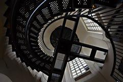 Σπειροειδή σκαλοπάτια με το κιγκλίδωμα Στοκ φωτογραφία με δικαίωμα ελεύθερης χρήσης
