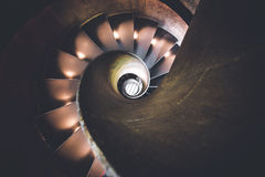 Σπειροειδή σκαλοπάτια όπως αντιμετωπίζεται άνωθεν Στοκ φωτογραφία με δικαίωμα ελεύθερης χρήσης