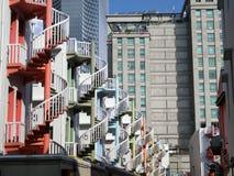 Σπειροειδείς σκάλες Στοκ εικόνες με δικαίωμα ελεύθερης χρήσης