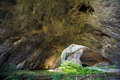 Σπηλιά Devetashka, Βουλγαρία Στοκ Εικόνα