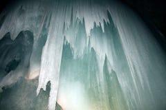Σπηλιές πάγου Στοκ εικόνες με δικαίωμα ελεύθερης χρήσης