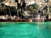Σπηλιά Βίκινγκ Phi της Ταϊλάνδης Phi στο νησί Στοκ φωτογραφία με δικαίωμα ελεύθερης χρήσης