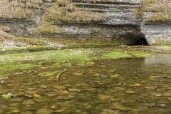 Σπηλιά την άνοιξη Στοκ Φωτογραφία