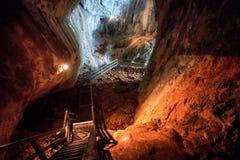 Σπηλιά Ionel (John) στα βουνά της Ρουμανίας Arieseni Στοκ Εικόνες