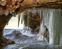 Σπηλιές πάγου στοκ φωτογραφία με δικαίωμα ελεύθερης χρήσης