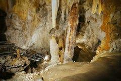 Σπηλιές Toirano - μεγάλοι σταλακτίτες και σταλαγμίτες Στοκ Φωτογραφίες