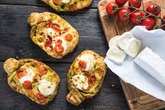 Σπιτικά απλά τρόφιμα, foccacia με το τυρί Στοκ Εικόνες