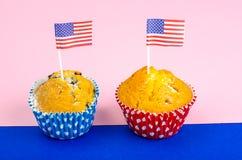 Σπιτικά εύγευστα cupcakes για τη ημέρα της ανεξαρτησίας στοκ φωτογραφίες με δικαίωμα ελεύθερης χρήσης