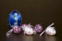 Σπιτικά ζωηρόχρωμα αυγά Πάσχας Στοκ Φωτογραφία