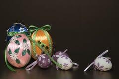 Σπιτικά ζωηρόχρωμα αυγά Πάσχας Στοκ εικόνες με δικαίωμα ελεύθερης χρήσης