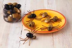 Σπιτικά δημιουργικά πρόχειρα φαγητά αραχνών αποκριών στοκ εικόνα με δικαίωμα ελεύθερης χρήσης