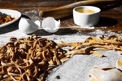 Σπιτικά ιταλικά ζυμαρικά Στοκ εικόνες με δικαίωμα ελεύθερης χρήσης