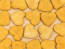 Σπιτικά μπισκότα πιπεροριζών με μορφή μιας καρδιάς Η άποψη από Στοκ εικόνες με δικαίωμα ελεύθερης χρήσης