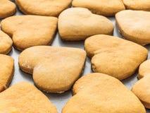 Σπιτικά μπισκότα πιπεροριζών με μορφή μιας καρδιάς Στοκ Εικόνες