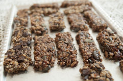 Σπιτικά μπισκότα στον πίνακα στοκ εικόνες με δικαίωμα ελεύθερης χρήσης