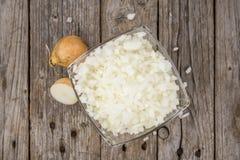 Σπιτικά τεμαχισμένα άσπρα κρεμμύδια Στοκ φωτογραφία με δικαίωμα ελεύθερης χρήσης