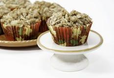 Σπιτικά τραγανά Muffins της Apple που απομονώνονται Στοκ φωτογραφία με δικαίωμα ελεύθερης χρήσης