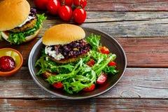 Σπιτικά burgers κρέατος στοκ φωτογραφίες