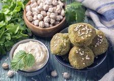Σπιτικά chickpeas falafel στοκ εικόνες