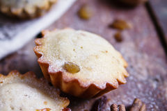 Σπιτικά muffins κανέλας στοκ φωτογραφία