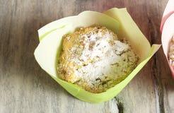 Σπιτικά muffins τυριών εξοχικών σπιτιών στοκ εικόνες με δικαίωμα ελεύθερης χρήσης